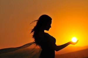girl-holding-sun